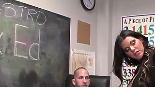 Teen amateur sucking cock in sexed class