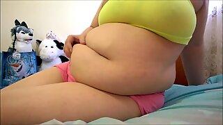 bbw displays Off Her humungous Beautiful Belly