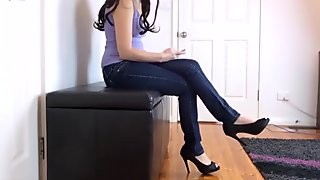 Toe Tapping in Jeans - Toe Tapping Fetish - Custom Request