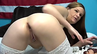 Camgirl Toying And Fisting.