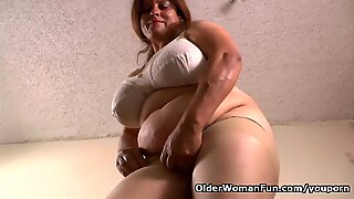 Mom gets horny in nylon pantyhose