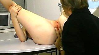 Blonde anal avec des gros seins