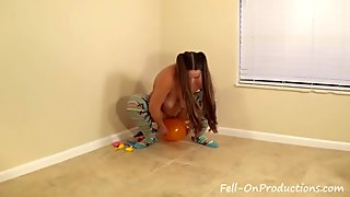 Madisin Lee in Party Balloons Loonar Fetish