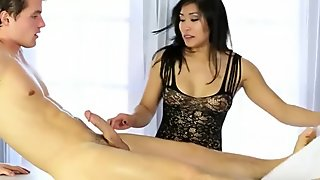 Asian masseuse blowjobs and foot fetish on the table