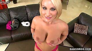 Plump blonde MILF Melanie Monroe bounces her huge booty