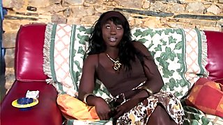 Ebony babe tries her first anal on cam - Telsev