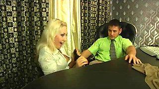 Flossie&Govard mindblowing pantyhose movie