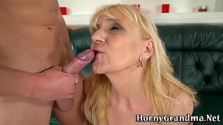 Pussy munched mature lady