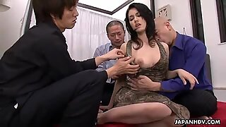 Japanese slut Maria Ozawa loves group sex