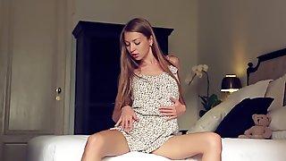 Brunette Leila Mazz undressing