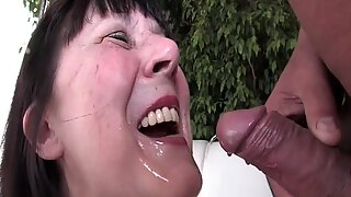 Granny loves golden shower by XMILF.US