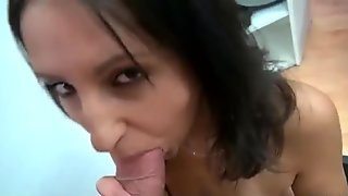 Cutie babe from a salon payed for a fuck
