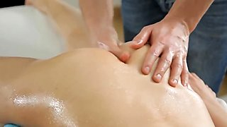 Oiled holes endure hot pounding