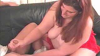 Chubby slut Cassie gives a handjob to rapacious fucker