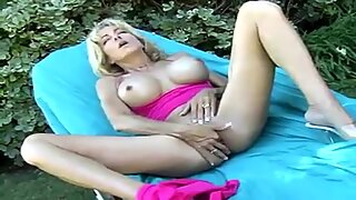 thick hooters blonde in solo act outdoors FHD