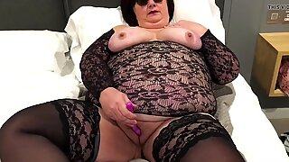 Amateur mature UK bbw double vibrator orgasm