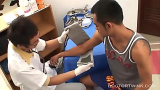 Asian Twinks Albert and Oliver Barebacking